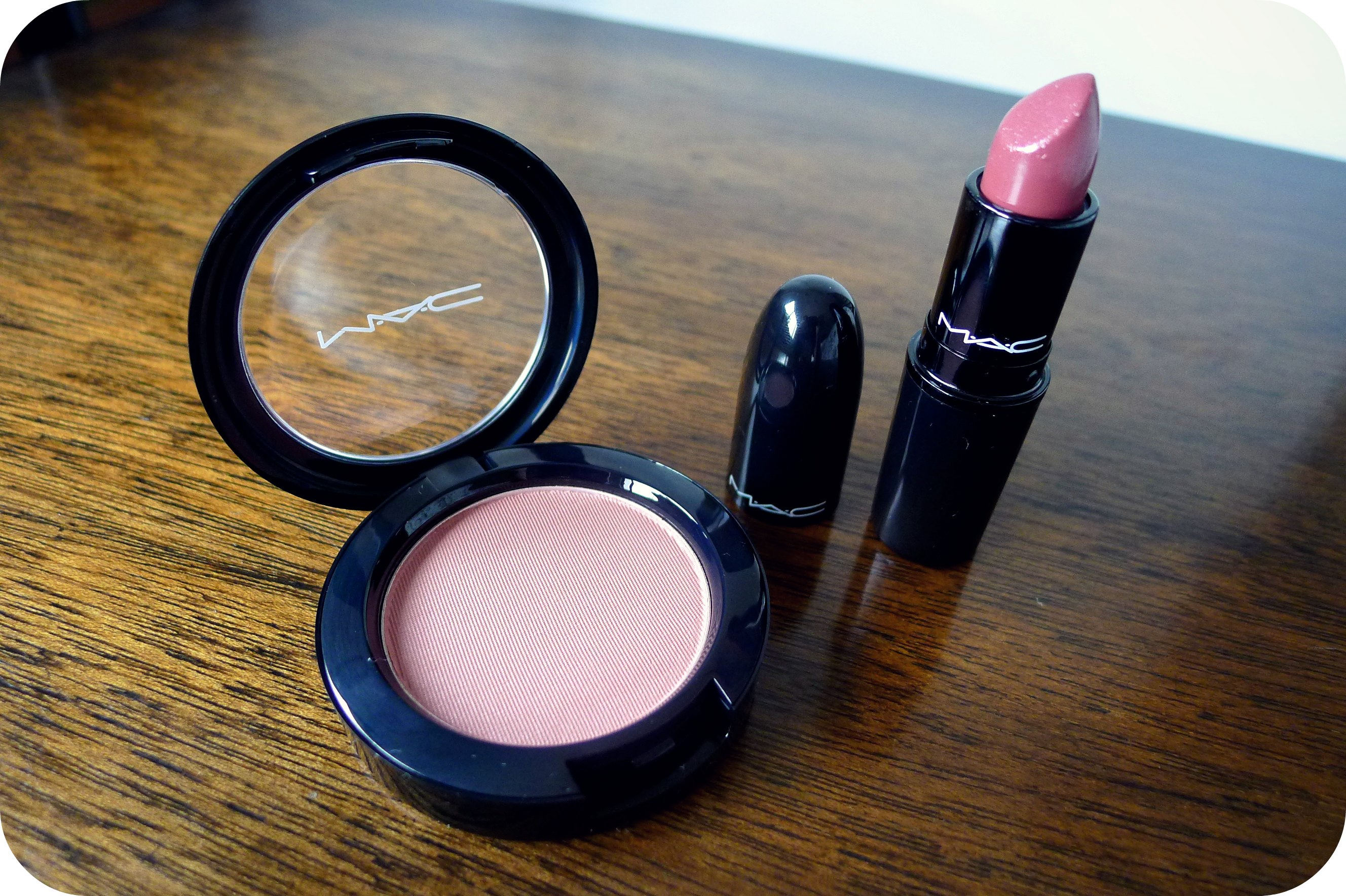 MAC Holiday Collection 2012: Glamourdaze, Small Vanity, and Lavish ...