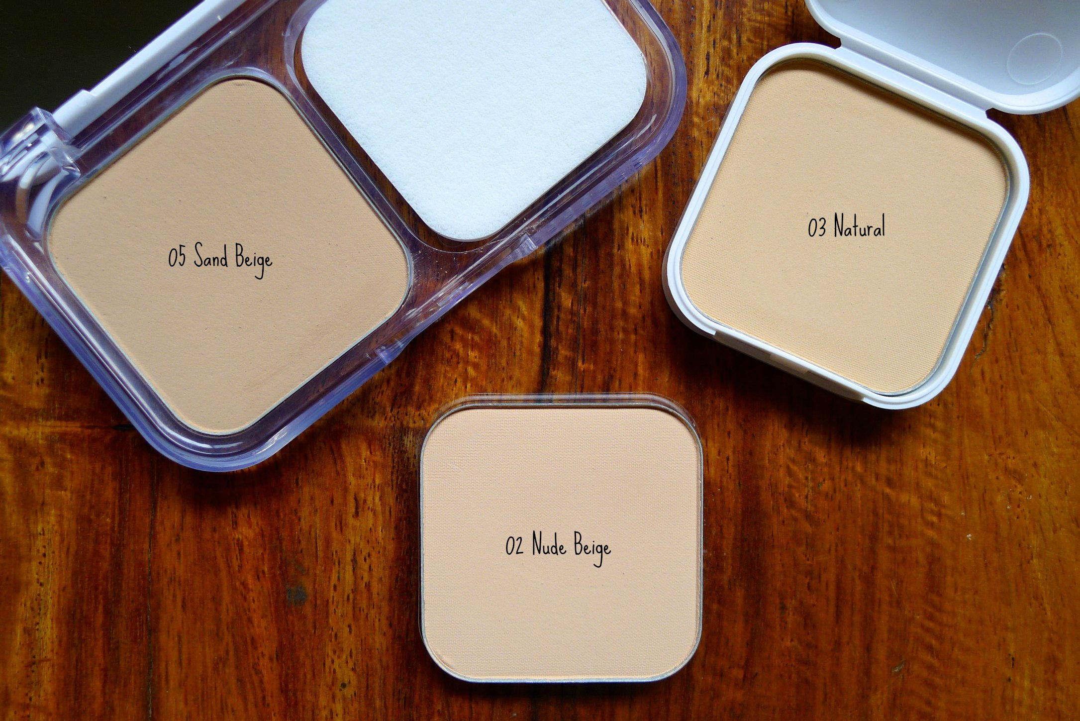 Review: Maybelline's White Superfresh Foundation (05 Sand Beige ...